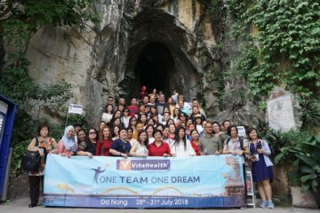 VitaHealth Malaysia Supplement: Achievers' Incentive Trip 2018 Team Photo - Enriching Lives With Supplement For Men & Women, Such As Liver Supplements, Eye Supplements, Skin Whitening Supplements,