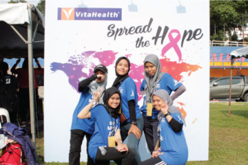 VitaHealth Malaysia Supplement: Relay For Life 2018 Team Pose - Enriching Lives With Our Liver Supplements, Eye Supplements, Joint Care Supplement, Supplement For Men & Women